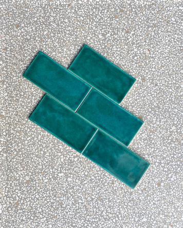 Metro tile with Krakelee...
